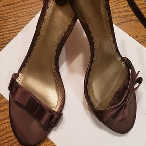 Ann Taylor brown satin heals size 9 us